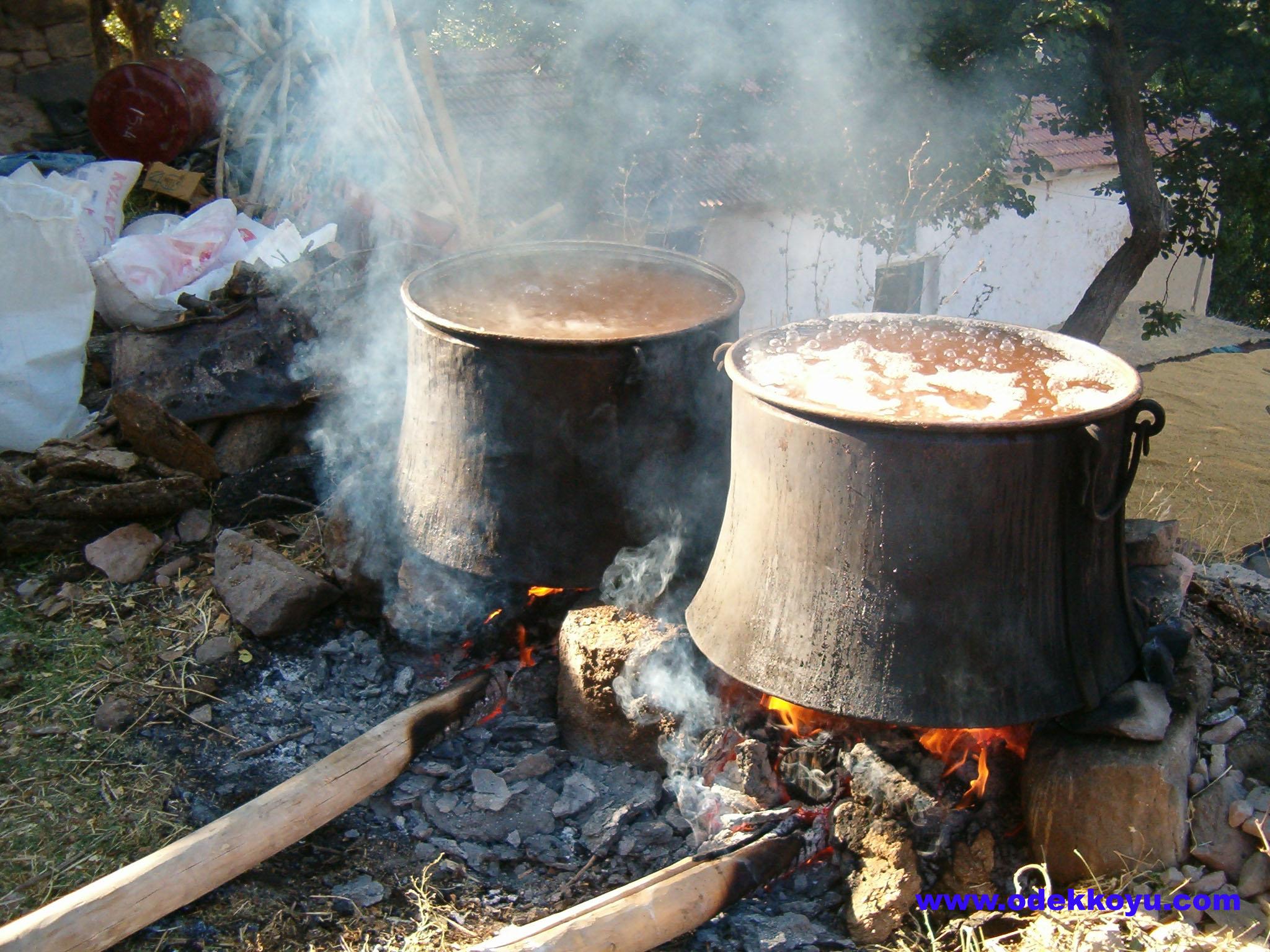 Rüyada yemek görmek Pişirmek ne anlama gelir ( İslami)